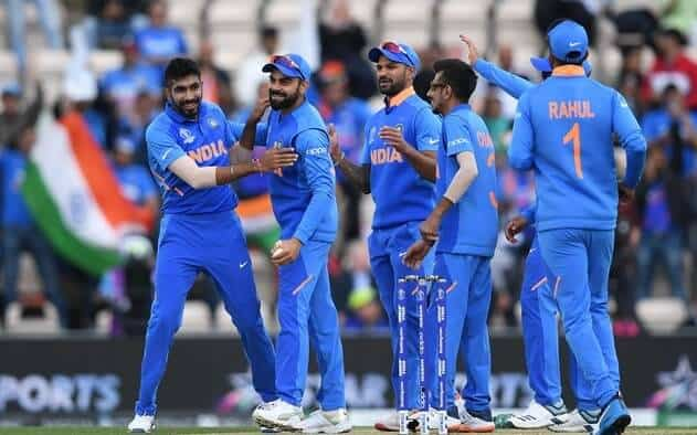 Virat Kohli & his fellow Indian teammates. They are about to venture on a tour of Australia